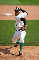 Clinton LumberKings pitcher Jeffeson Medina (32) delivers a pitch during a game against the Great Lakes Loons on August 16, 2015 at Ashford University Field in Clinton, Iowa.  Great Lakes defeated Clinton 3-2.  (Mike Janes/Four Seam Images)