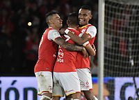 BOGOTÁ - COLOMBIA, 09-12-2017: Juan Daniel Roa, William Tesillo (DEr) y Yeison Gordillo (Izq)jugadores de Santa Fe celebran el páso a la final después del encuentro entre Independiente Santa Fe y Deportes Tolima por la semifinal vuelta de la Liga Aguila II 2017 jugado en el estadio Nemesio Camacho El Campin de la ciudad de Bogota. / Juan Daniel Roa, William Tesillo (R) and Yeison Gordillo (L) players of Santa Fe celebrate the classification to the final after match between Independiente Santa Fe and Deportes Tolima for the second leg semifinal of the Aguila League II 2017 played at the Nemesio Camacho El Campin Stadium in Bogota city. Photo: VizzorImage/ Gabriel Aponte / Staff