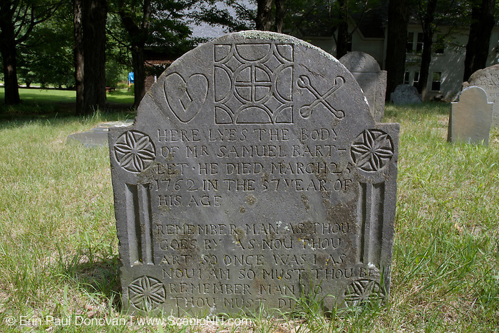 Old weathered headstone at Chester Village Cemetery in Chester, New Hampshire. Headstone of Samuel Bart-Let who died in 1762.