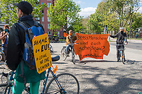 2020/04/26 Berlin   Critical Mass   #LeaveNoOneBehind