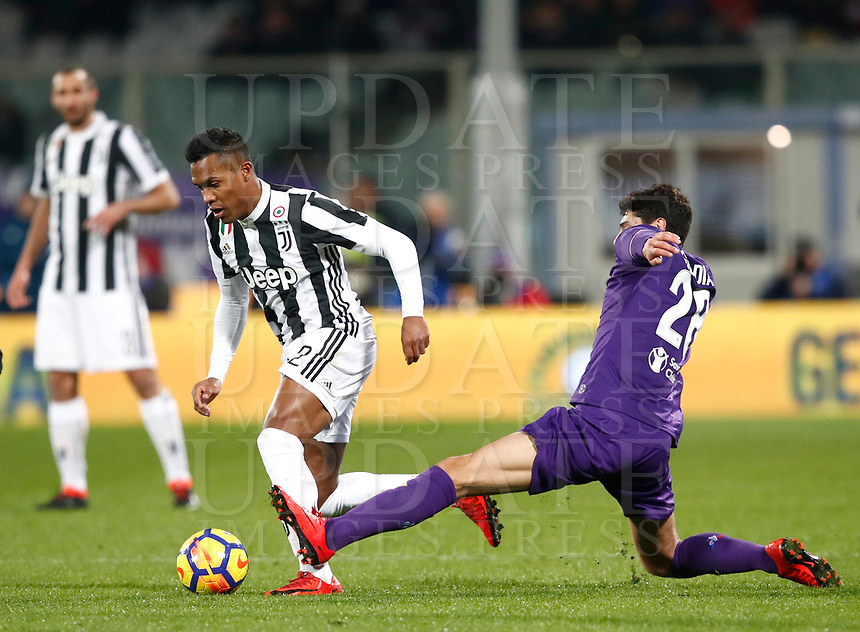 Calcio, Serie A: Fiorentina - Juventus, stadio Artemio Franchi Firenze 9 febbraio 2018.<br /> Juventus' Alex Sandro (l) in action with Fiorentina's Gil Dias (r) during the Italian Serie A football match between Fiorentina and Juventus at Florence's Artemio Franchi stadium, February 9, 2018.<br /> UPDATE IMAGES PRESS/Isabella Bonotto