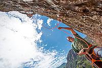 Las Chilcas - Des Plomelandia sector<br /> Armagedon 7c+; climbers: Carlos Lastra, Tomas Contreras