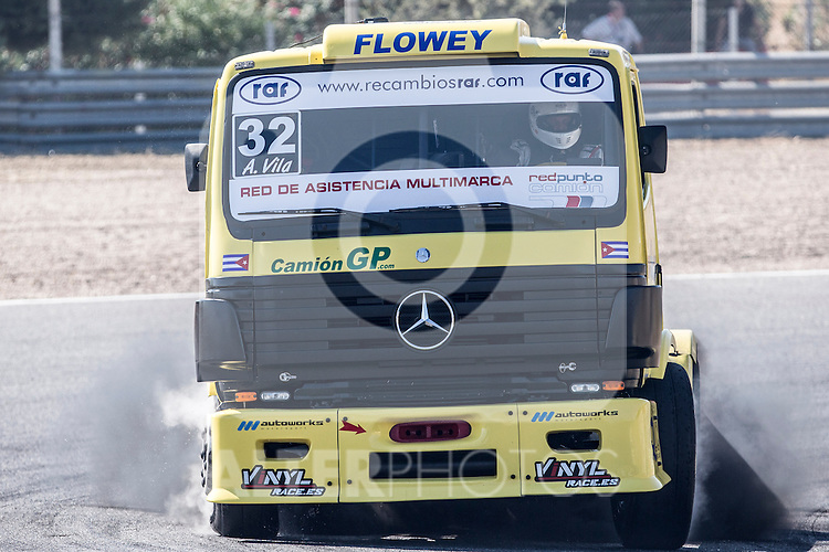 Spanish driver Alberto Mila Monteserin belonging Spanish team Alberto Mila Monteserin during the super pole SP1 of the XXX Spain GP Camion of the FIA European Truck Racing Championship 2016 in Madrid. October 01, 2016. (ALTERPHOTOS/Rodrigo Jimenez)