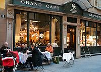 Switzerland, Ticino, Lugano: Grand Cafe al Porto at Old Town | Schweiz, Tessin, Lugano: Grand Cafe al Porto in der Altstadt