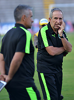 IBAGUÉ - COLOMBIA, 10-02-2018: Gregorio Pérez director técnico del Deportivo Cali durante el encuentro contra el Atlético Huila  partido por la fecha 2 de la Liga Águila I 2018 jugado en el estadio Manuel Murillo Toro de la ciudad de Ibagué. / Gregorio Perez coach of Deportivo Cali during match agaisnt  of Atletico Huila  match for the date 2 of the Aguila League I 2018 played at Manuel Murillo Toro in Ibague city. VizzorImage / Juan Carlos Escobar / Contribuidor