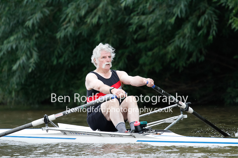 MasG.1x  Final  (125) Gloucester (Venn) vs (129) Nottingham RC (Wregg)<br /> <br /> Saturday - Gloucester Regatta 2016<br /> <br /> To purchase this photo, or to see pricing information for Prints and Downloads, click the blue 'Add to Cart' button at the top-right of the page.