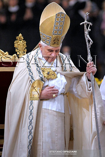 Pope Benedict XVI leads a Vesper prayer at Saint Paul Basilica in Rome January 25, 2008 .