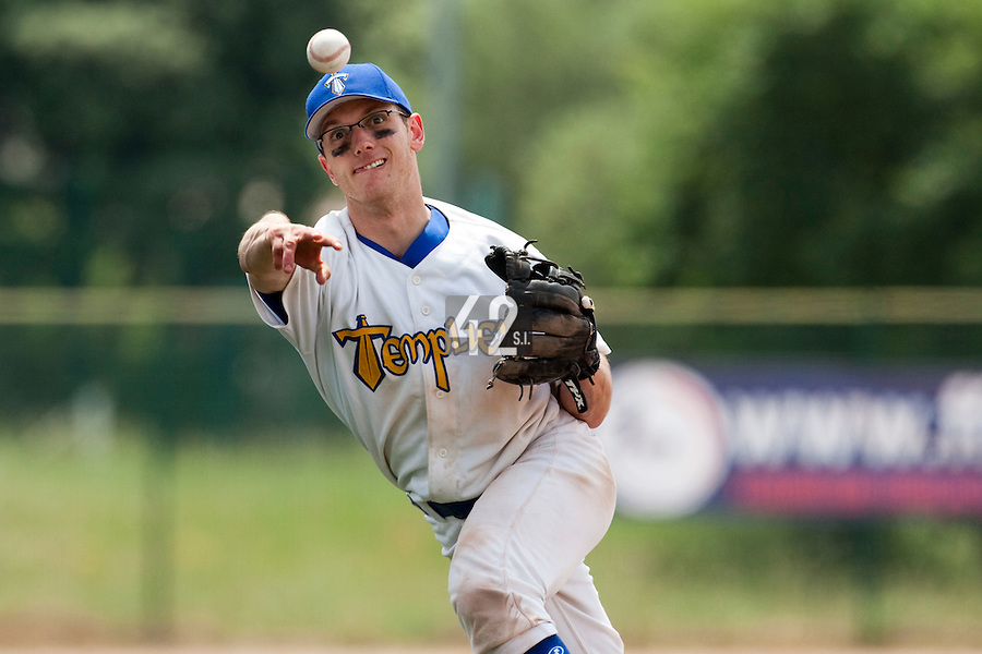23 May 2009: Alex Malihoudis of Senart throws the ball to first base during the 2009 challenge de France, a tournament with the best French baseball teams - all eight elite league clubs - to determine a spot in the European Cup next year, at Montpellier, France. Savigny wins 4-1 over Senart.