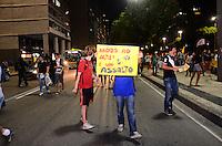 RIO DE JANEIRO, RJ, 06 DE JUNHO DE 2013 -GRANDE ATO UNIFICADO CONTRA O AUMENTO DAS PASSAGENS-RJ- Manifestação contra o  o reajuste das passagens de ônibus no município do Rio de Janeiro, na Candelária, centro do Rio de Janeiro.FOTO:MARCELO FONSECA/BRAZIL PHOTO PRESS