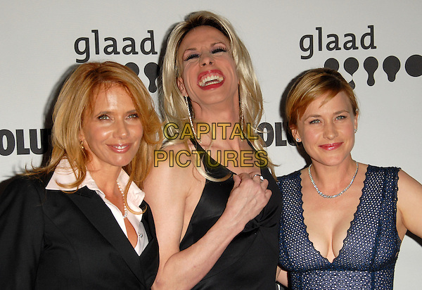 ROSANNA ARQUETTE, ALEXIS ARQUETTE & PATRICIA ARQUETTE .Attends The 17th Annual GLAAD Media Awards held at The Kodak Theatre in Hollywood, California, USA, .April 8th 2006..portrait headshot family sisters siblings brother finger .Ref: DVS.www.capitalpictures.com.sales@capitalpictures.com.©Debbie VanStory/Capital Pictures