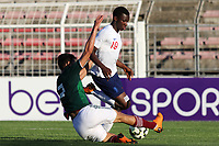 Ismael Govea Solorzano of Mexico tackles England U21's Edward Nketiah during Mexico Under-21 vs England Under-21, Tournoi Maurice Revello Final Football at Stade Francis Turcan on 9th June 2018