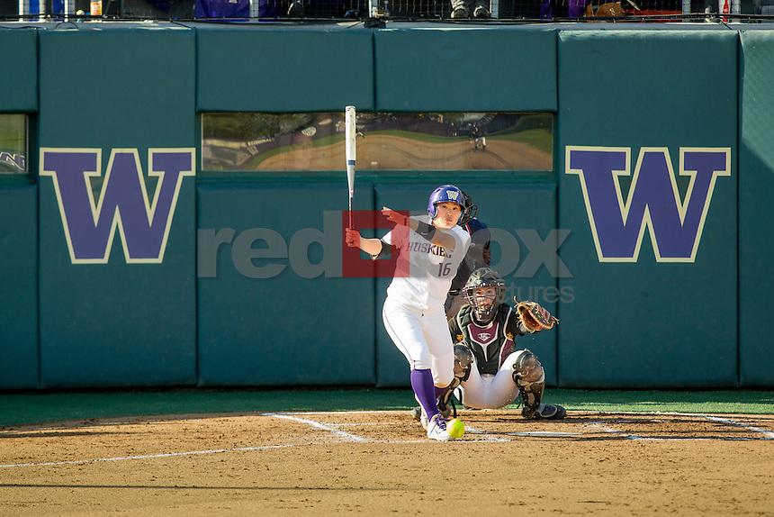 The University of Washington softball team defeats Arizona State University 3-2 in 10 innings on April 18, 2014.(Photo by Scott Eklund/Red Box Pictures)