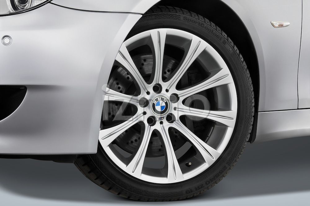 Tire and wheel close up detail view of a 2008 BMW M5 Sedan