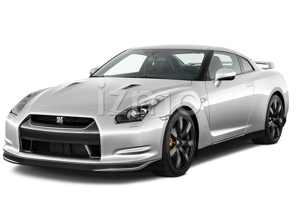 Front three quarter view of a 2009 Nissan GTR Coupe.