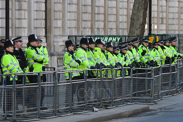 3 January 2009, London/UK, Metropolitan Police cordon outside Downing Street at Palestinian protest in Central London against Israeli attacks on the Gaza Strip that caused many casualties. Photo: Bettina Strenske