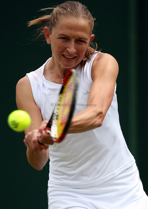 Photo: Paul Thomas..Wimbledon Championships. 26/06/2007..Elena Likhovtseva (RUS) during her match with Maria Elena Camerin (ITA).