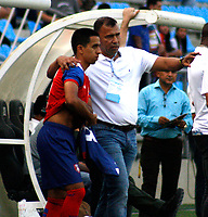 SANTA MARTA- COLOMBIA, 03-03-2019: Harold Rivera director técnico del Unión Magdalena . Acción de juego entre los equipos Unión Magdalena y el Deportivo Pasto  durante partido por fecha 8 de la Liga Águila I 2019 jugado en el estadio Sierra Nevada de la ciudad de Santa Marta. / Harold Rivera coach of Union Magdalena.Action game between  Union Magadalena  and  Deportivo Pasto  during match for the date 8 as part of the  Aguila League  I 2019 played at the Sierra Nevada Stadium in Santa Marta  city. Photo: VizzorImage /Gustavo Pacheco / Contribuidor
