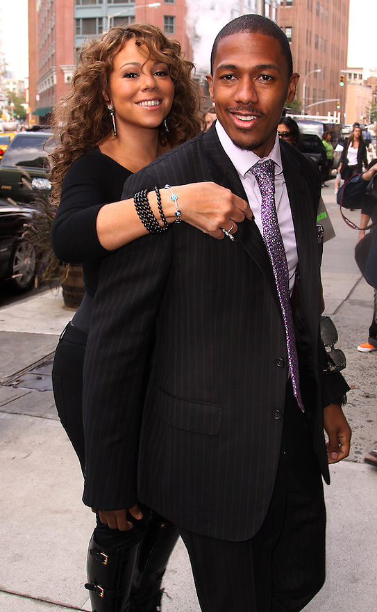 Mariah Carey and Nick Canon is seen outside her Tribeca home in New York, Friday September18, 2009. (AP Photo/Donald Traill)