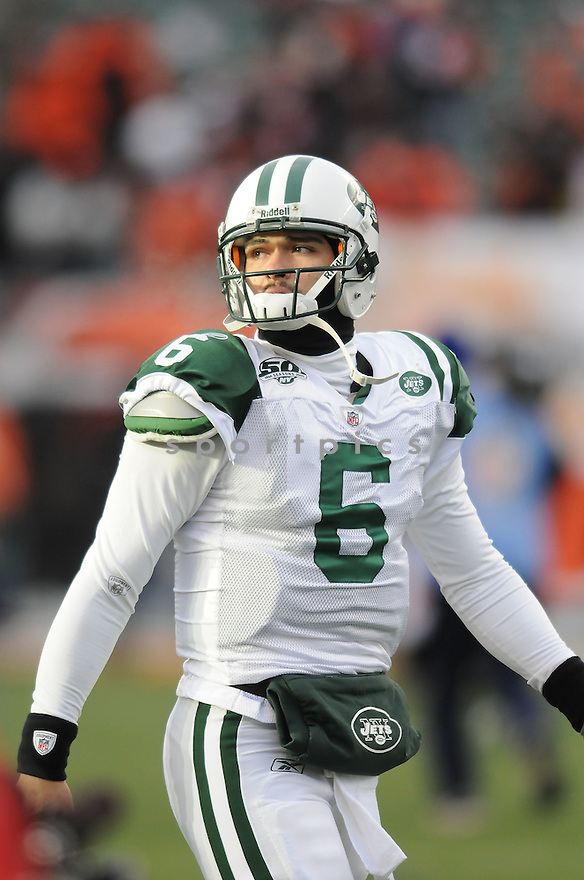 MARK SANCHEZ, of the New York Jets, in action during the Jets game against the CIncinnati Bengals on January 9, 2010 in Cincinnati, OH. Jets won 24-14.