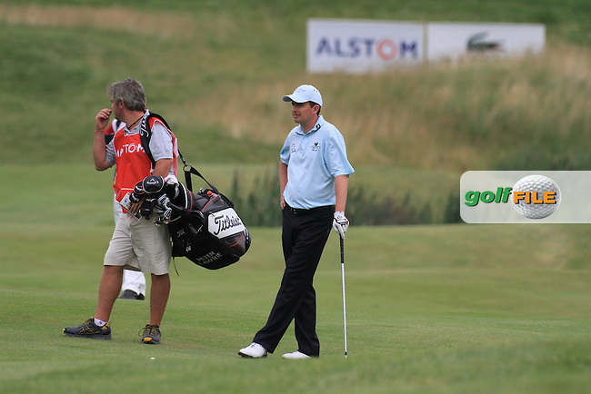 Peter Lawrie waiting to play into the 9th green on day three of the Alstom Open de France at .Golf National St Quentin en Yvelines, Paris France, 3/7/10.. Picture Fran Caffrey/www.newsfile.ie