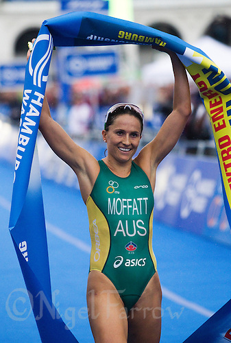 17 JUL 2011 - HAMBURG, GER - Emma Moffatt (AUS) wins the women's Hamburg round of triathlon's ITU World Championship Series (PHOTO (C) NIGEL FARROW)