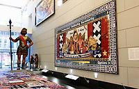 Nederland Amsterdam 2018 . Het Amsterdam Museum. Kunstwerk Oud-West, Thuis Best van Arno Coenen. Marokkaanse Kickboksers samen met Willem van Oranje . Foto Berlinda van Dam / Hollandse Hoogte