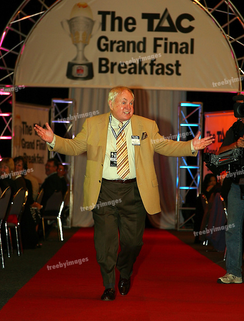 The Grand Final Breakfast, Melbourne Exhibition Centre 29-9-07, The VIP Guests arrive down the red carpet, Show biz man John Michael Houson..
