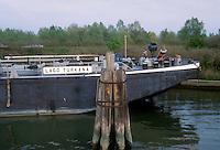 - navigation on Po river, transport barge moored near the lock of Volta Grimana (Rovigo)<br /> <br /> - navigazione sul fiume Po, chiatta da trasporto ormeggiata presso la chiusa di Volta Grimana (Rovigo)