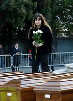 Salerno Funerali delle 26 donne immigrate morto durante il naufragio del gommone e recuperate dalla nave spagnola Catarbia tra di loro alcune erano incinteSalerno Funerali delle 26 donne immigrate morto durante il naufragio del gommone e recuperate dalla nave spagnola Catarbia tra di loro alcune erano incinte<br /> the funeral service for 26 Nigerian women who died last week while crossing the Mediterranean Sea, at the Salerno cemetery