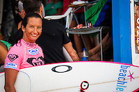 Layne Beachley  (AUS) at the Roxy Pro Sunset Beach, North Shore, Oahu, Hawaii 2006. Photo: Joliphotos.com