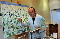 Rafael Rasillo Rodriguez,pittore spagnolo nel suo studio.Rafael Rasillo Rodriguez,spanish painter in his studio..Artisti a San Lorenzo , quartiere storico di Roma. Artist in San Lorenzo, historic district of Rome. ..