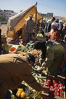 Afrique/Afrique du Nord/Maroc/Rabat: étal de légumes sur un marché populaire de quartier
