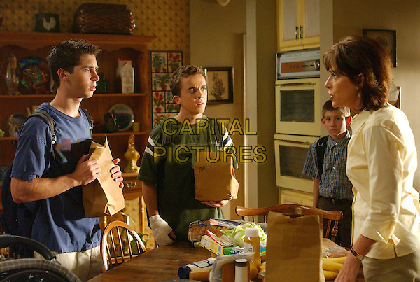 "JUSTIN BERFIELD, FRANKIE MUNIZ, ERIK PER SULLIVAN & JANE KACZMAREK.in Malcolm In The Middle.""Buseys Run Away"" .*Editorial Use Only*.www.capitalpictures.com.sales@capitalpictures.com.Supplied by Capital Pictures."