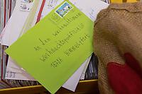 Ankunft des Weihnachtsmann in Himmelpfort.<br /> <br /> 14.11.2018, Himmelpfort<br /> Copyright: Christian-Ditsch.de<br /> [Inhaltsveraendernde Manipulation des Fotos nur nach ausdruecklicher Genehmigung des Fotografen. Vereinbarungen ueber Abtretung von Persoenlichkeitsrechten/Model Release der abgebildeten Person/Personen liegen nicht vor. NO MODEL RELEASE! Nur fuer Redaktionelle Zwecke. Don't publish without copyright Christian-Ditsch.de, Veroeffentlichung nur mit Fotografennennung, sowie gegen Honorar, MwSt. und Beleg. Konto: I N G - D i B a, IBAN DE58500105175400192269, BIC INGDDEFFXXX, Kontakt: post@christian-ditsch.de<br /> Bei der Bearbeitung der Dateiinformationen darf die Urheberkennzeichnung in den EXIF- und  IPTC-Daten nicht entfernt werden, diese sind in digitalen Medien nach &sect;95c UrhG rechtlich geschuetzt. Der Urhebervermerk wird gemaess &sect;13 UrhG verlangt.]