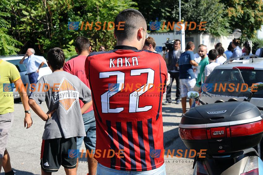 Milan Supporters wait for new Ac Milan player Ricardo Kaka <br /> Tifosi del Milan aspettano l'arrivo di Ricardo Kaka <br /> Milano 02/09/2013 Linate Airport <br /> foto Andrea Ninni/Image Sport/Insidefoto