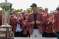Kevin Na (USA) dons the jacket for winning the 2019 Charles Schwab Challenge, Colonial Country Club, Ft. Worth, Texas,  USA. 5/26/2019.<br /> Picture: Golffile | Ken Murray<br /> <br /> All photo usage must carry mandatory copyright credit (© Golffile | Ken Murray)