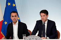 Luigi Di Maio e Giuseppe Conte<br /> Roma 15/10/2018. Consiglio dei Ministri sulla Manovra Economica DEF.<br /> Rome October 15th 2018. Minister's Cabinet about the Economic and Financial Document.<br /> Foto Samantha Zucchi Insidefoto