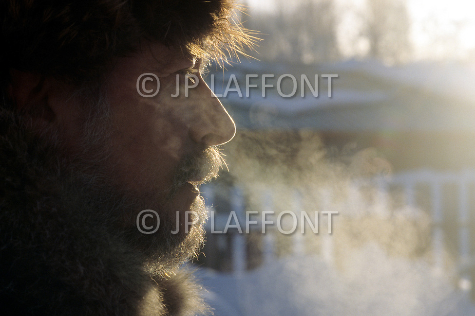 Talkeetna, Alaska, U.S.A, January 1989. A sudden cold wave struck Alaska resulting to the temperature falling under 50 degrees Centigrade (58 degrees Fahrenheit). Mac Steven in the cold.
