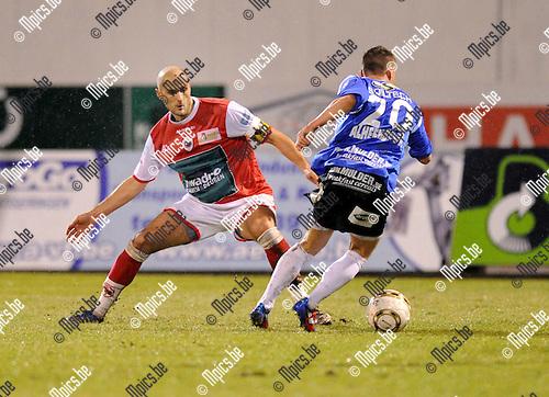 2012-02-18 / Voetbal / seizoen 2011-2012 / R. Antwerp FC - Roeselare / De smet (Antwerp) probeert Di Lallo op te vangen..Foto: Mpics.be