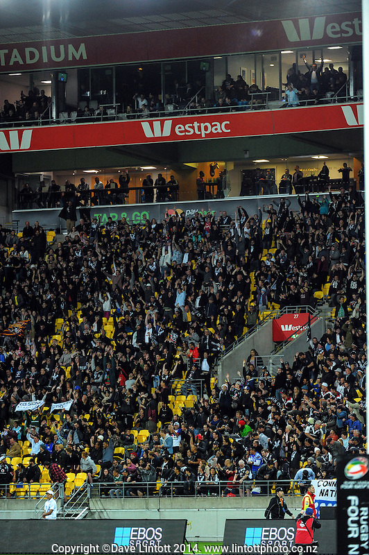 Fans perform a Mexican Wave during the Four Nations rugby league final between the NZ Kiwis and Australia Kangaroos at Westpac Stadium, Wellington on Saturday, 15 November 2014. Photo: Dave Lintott / lintottphoto.co.nz