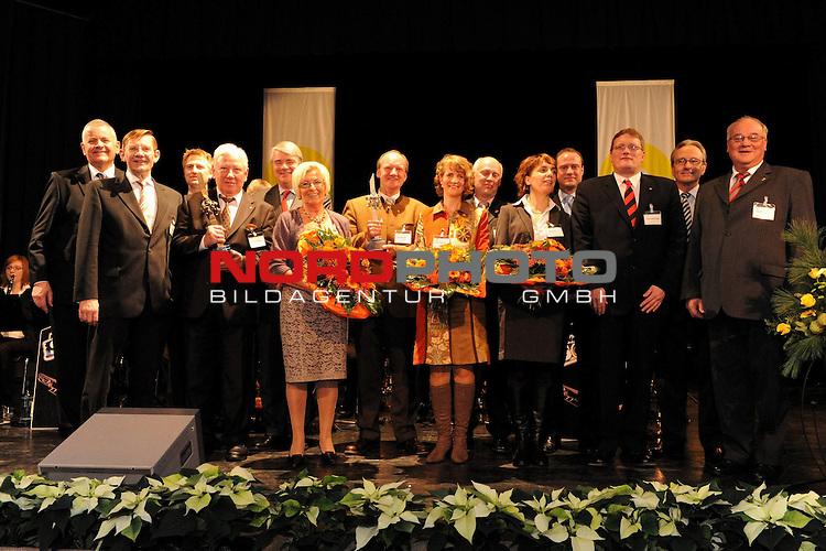 Unternehmerpreis Oldenburger M&uuml;nsterland 2009<br /> <br /> Abschlussfoto mit allen Preistr&auml;gern des Unternehmerpreises Oldenburger M&uuml;nsterland.<br /> <br /> Foto: &copy; nph ( nordphoto )