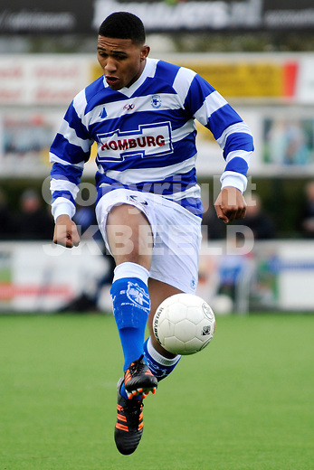GENEMUIDEN - Voetbal, SC Genemuiden - Spakenburg, Topklasse, seizoen 2011-2012, 21-04-2012, Soakenburg speler Raily Ignacio.