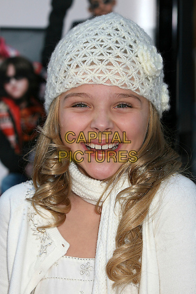 "CHLOE GRACE MORETZ.World Premire of ""Unaccompanied Minors"" at Grauman's Chinese Theatre, Hollywood, California, USA,.02 December 2006.portrait headshot white crochet hat .CAP/ADM/BP.©Byron Purvis/AdMedia/Capital Pictures."
