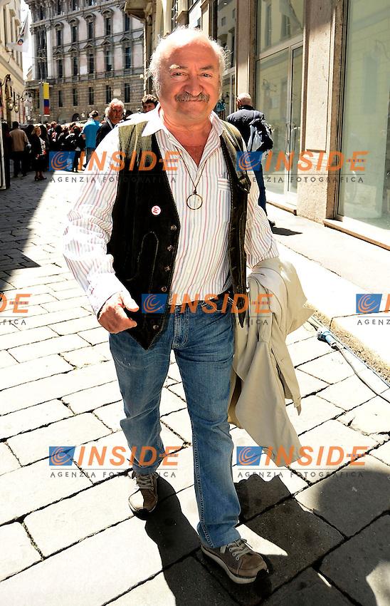 Milano 30/05/2013 Teatro Piccolo  - camera ardente Franca Rame<br /> nella foto: Ricky Gianco <br /> foto Daniele Buffa / Image / Insidefoto
