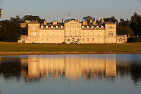 Great Britain, England, Bedfordshire, Woburn: Woburn Abbey and Park, seat of the Duke of Bedford | Grossbritannien, England, Bedfordshire, Woburn: Woburn Abbey (Woburna), ein ehemaliges Kloster der Zisterzienser, ist heute Adelssitz des Duke of Bedford