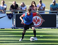 David Abraham (Eintracht Frankfurt) - 10.10.2018: Eintracht Frankfurt Training, Commerzbank Arena, DISCLAIMER: DFL regulations prohibit any use of photographs as image sequences and/or quasi-video.