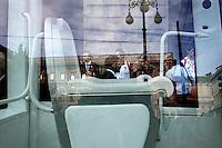 Milano: papamobile parcheggiata davanti al Teatro alla Scala ..Milan: popemobile in front of  La Scala Theatre during the 7th World Meeting of Families. ...