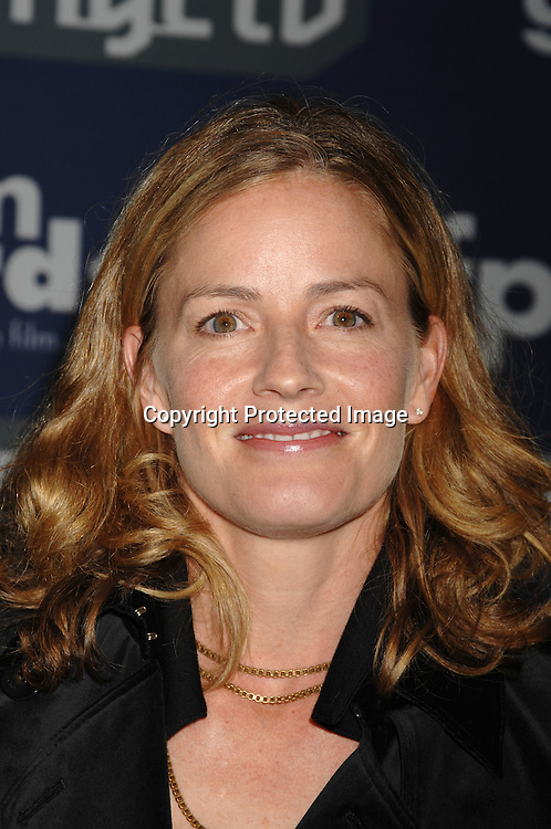 Elizabeth Shue ..arriving at The 16th annual Gotham Awards on ..November 29, 2006 at Pier Sixty. ..Robin Platzer, Twin Images