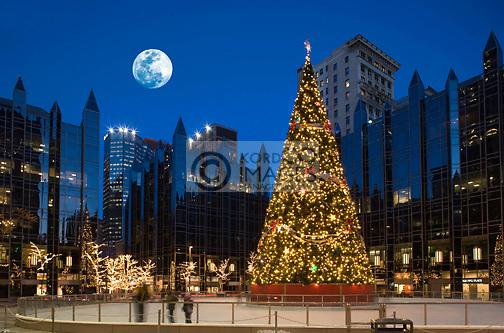 CHRISTMAS TREE LIGHTS PPG PLAZA ICE RINK DOWNTOWN PITTSBURGH PENNSYLVANIA USA