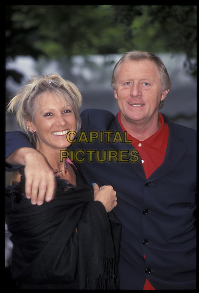 CHRIS TARRANT.05 July 2000.ref: 9823.half length, half-length.*RAW SCAN- photo will be adjusted for publication*.www.capitalpictures.com.sales@capitalpictures.com.©Capital Pictures